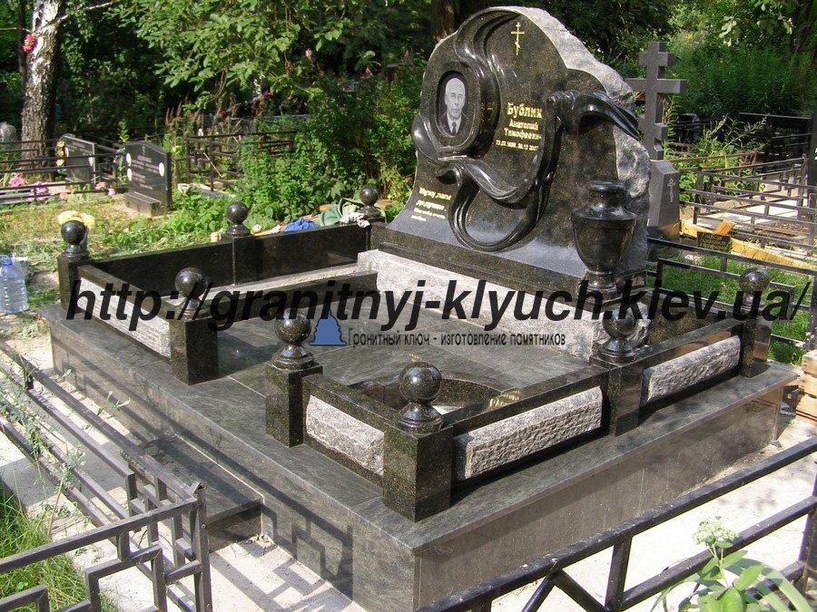 Гранитные памятники на могилу купить камень для памятник евпатории